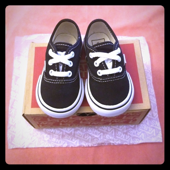 Baby girl size 4 shoes. Brand new with box. NWT. Vans f2f099805